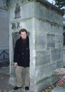 Benni på  Montmartre-kirkegården i Paris